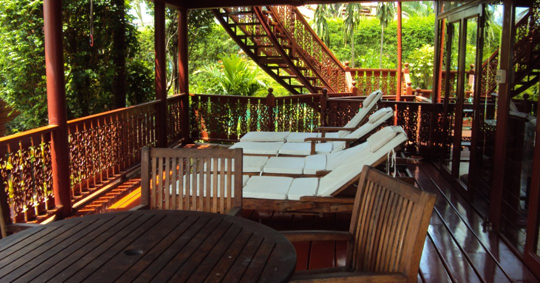 P5 Coconut Paradise Romantic Thai Style Teak Wood Beachside Villa