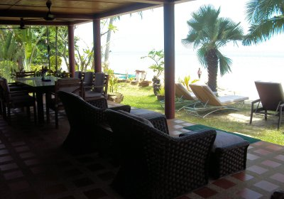 R2 Coconut River Beachfront Villa Jaccuzzi