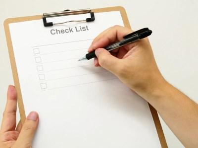 チェックリストとボールペン