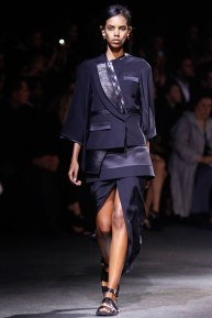givenchy-rtw-ss2014-runway-04_182012394014