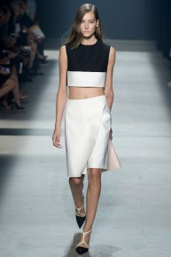 narciso-rodriguez-rtw-ss2014-runway-04_235342369764