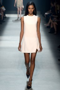 narciso-rodriguez-rtw-ss2014-runway-10_235347883153