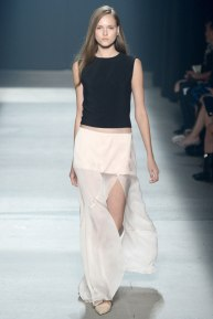narciso-rodriguez-rtw-ss2014-runway-19_235354608583