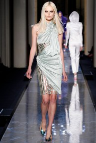 atelier-versace-fall-2014-couture-11_18080258482