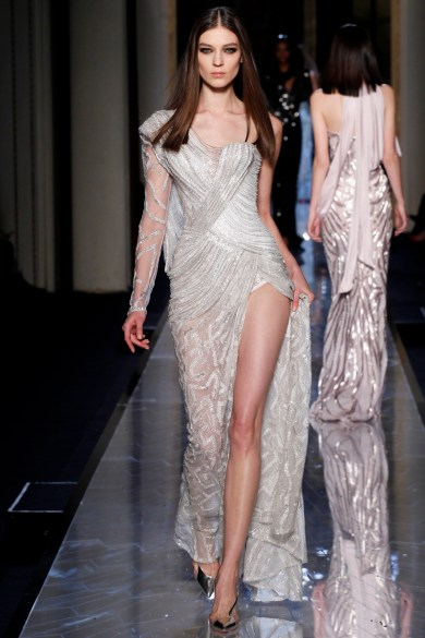 atelier-versace-fall-2014-couture-31_18081860521