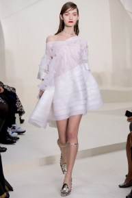 christian-dior-spring-2014-couture-01_115138141403