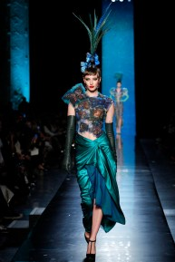 jean-paul-gaultier-spring-2014-couture-runway-38_122035350586