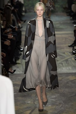 valentino-spring-2014-couture-runway-27_164028124326