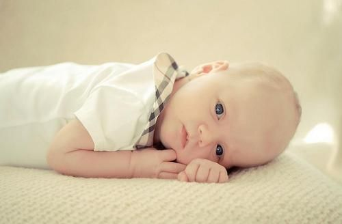burberry_baby_gifts_dress_girls_boys_babygrow_バーバリーベビー出産祝い_赤ちゃん_ギフト_ボディースーツ_チェック