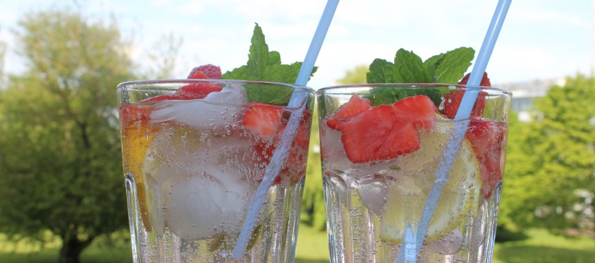 Mocktail: Strawberry Virgin Mojito