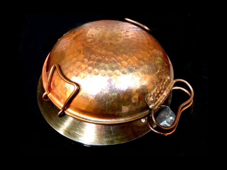 Cataplana de cobre tradicional. Chef Koketo
