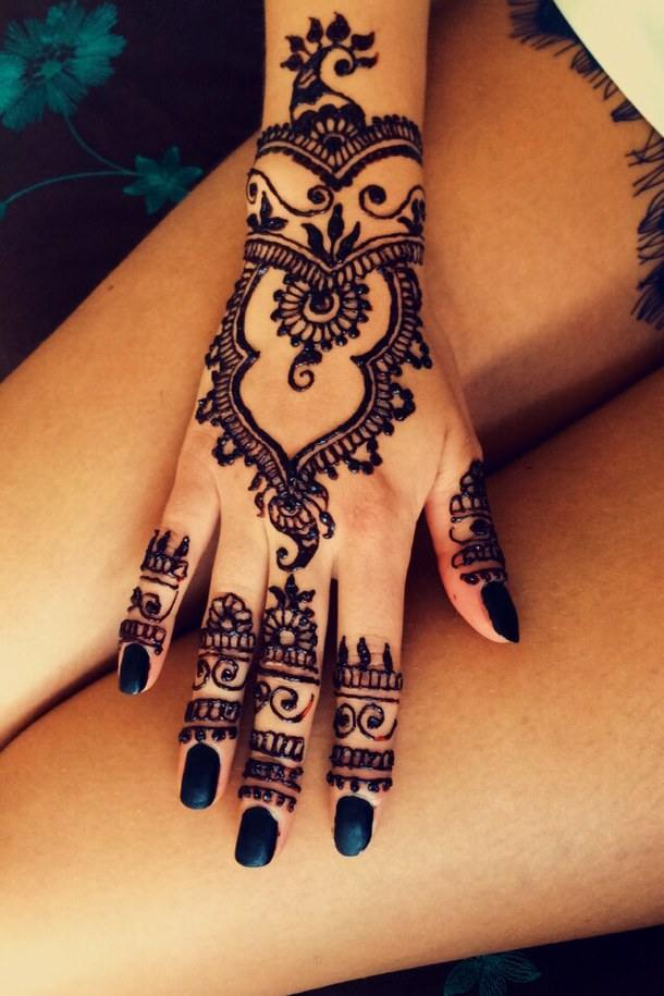 Beauty DIY: 7 Easy Ways To Make Your Own Stunning Henna Tattoos 3