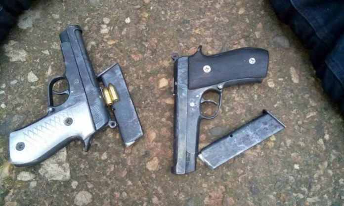 Criminals At Large! Man Caught Delivering Pistols To Gun Runner In Calabar 1