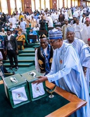 Good Move! FG Budgets N160bn For Workers Minimum Wage Increase 2