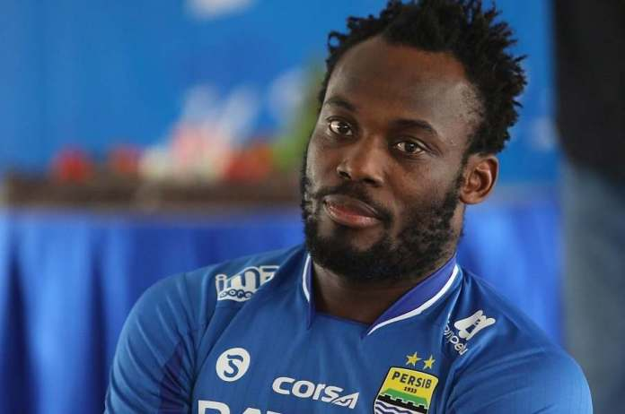 You Should See This Statue Of Chelsea Star, Michael Essien In Ghana 1