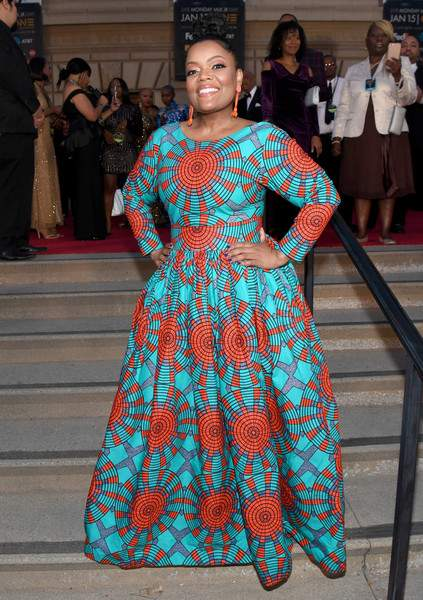 Who What Wear: Yvette Nicole Brown Oozes Natural African Beauty In Vibrant Ofuure Ankara Gown 2