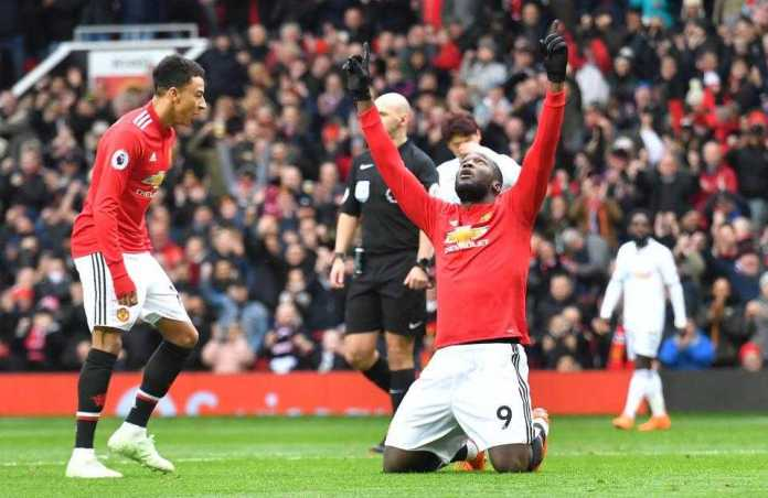 Manchester United 2 Swansea 0: Alexis Sanchez And Romelu Lukaku Score To Defeat Sorry Swans 2