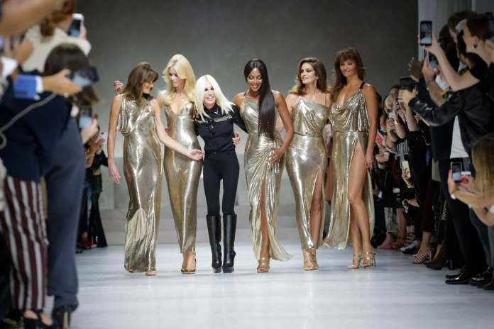 Save The Earth! Versace Permanently Stop The Production Of Fur Design Clothes 1