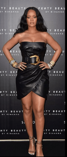 Style Stalking: Rihanna Wows In Cleavage-Baring leather Dress For Fenty Beauty Launch In Italy 4