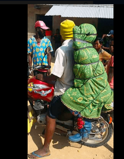 Bizarre! This Is How Corpses Are Transported In Congo 2