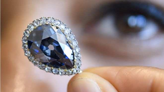 Whooping! 300-Year Royal Farnese Blue Diamond Sells For £5m At Auction 1