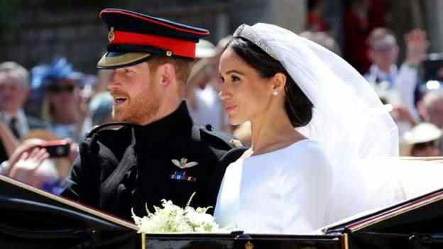 Stunning! Meghan Markle And Prince Harry Royal Wedding Carriage Procession 4