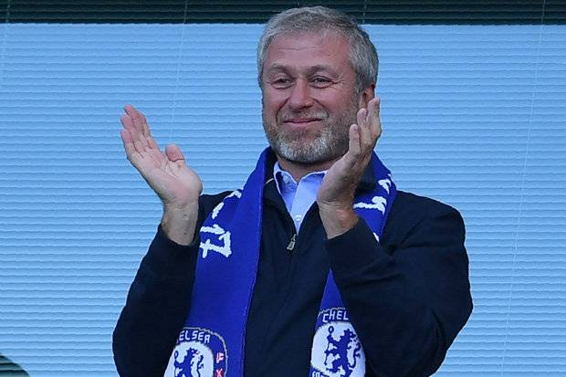 Maurizio Sarri Blasts Chelsea Owner Roman Abramovich Over SackThreat After Manchester City Trashing 3