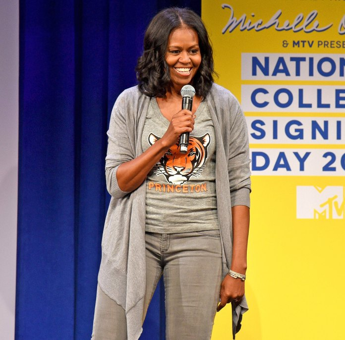 Checkout What Michelle Obama Did With Melania Trumps Gift 2
