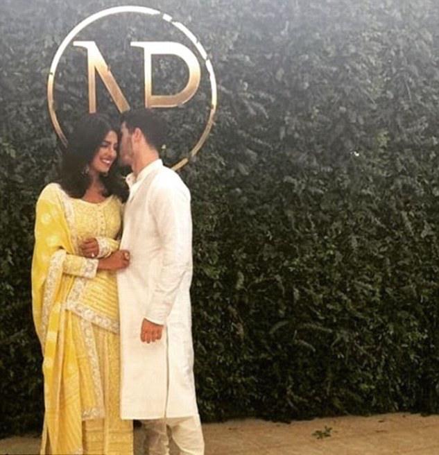 Roka! Nick Jonas And Priyanka Chopra Confirm Their EngagementWith Traditional India Ceremony 1