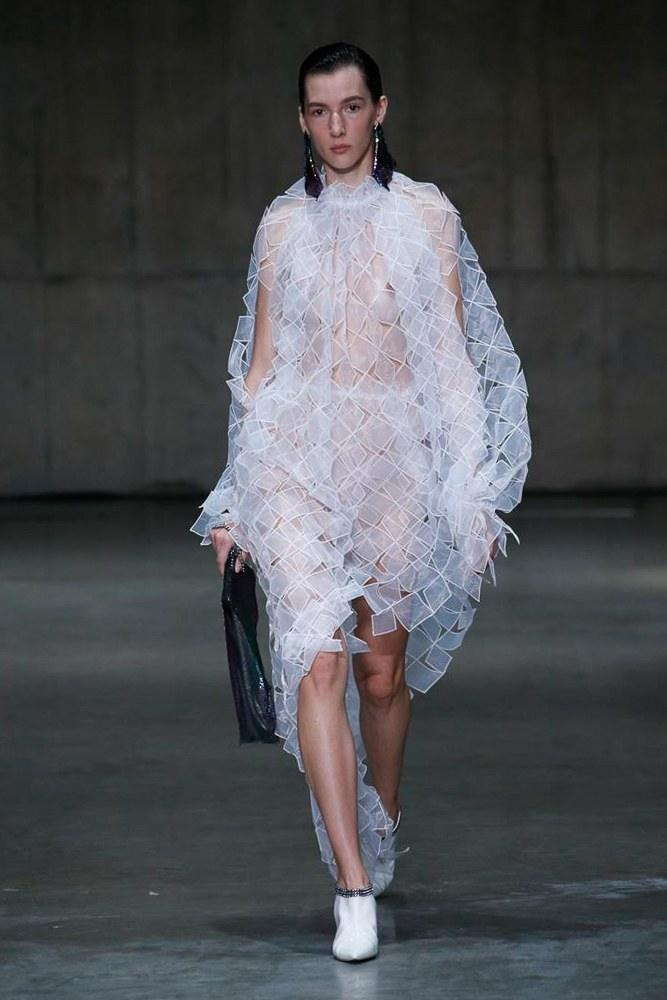 LFW: Christopher Kane Ready To Wear Spring 2019 Collection 27