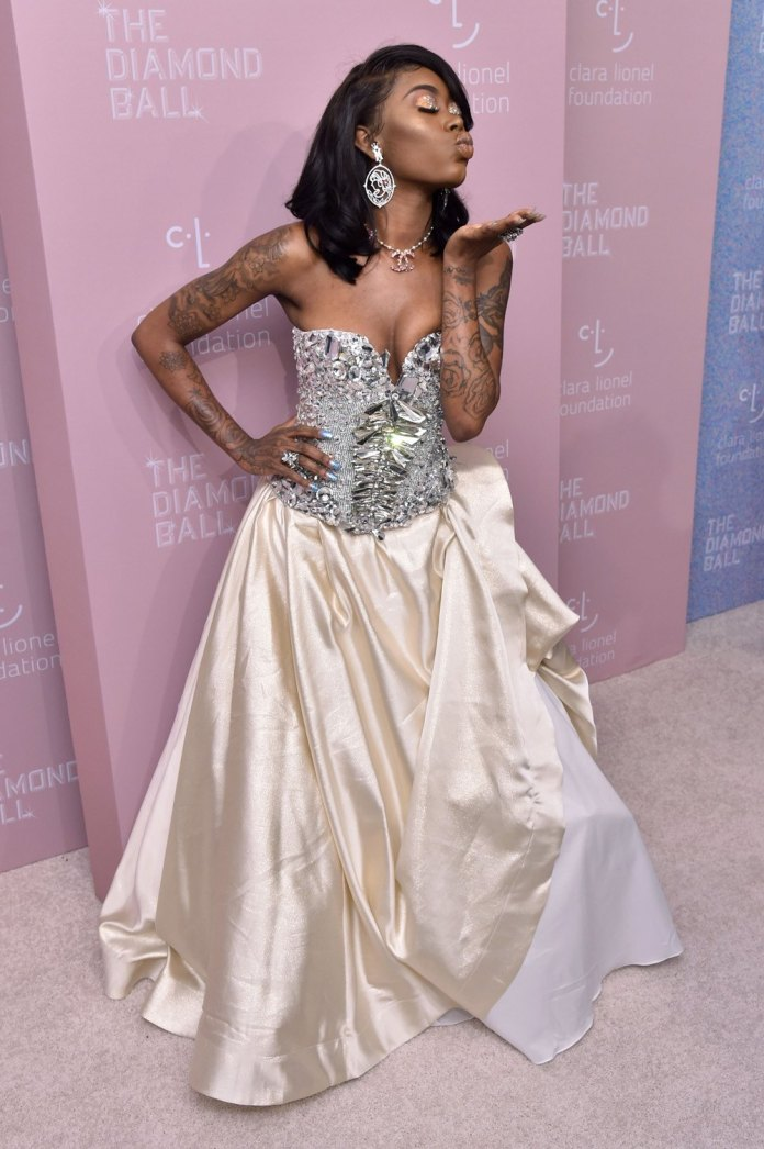 Beauty Trends: Top 5 Beauty Looks At The Diamond Ball In New York 7