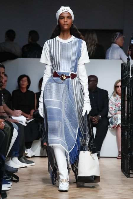 J.W Anderson Men & Women Spring Summer 2019 Collection At LFW 1