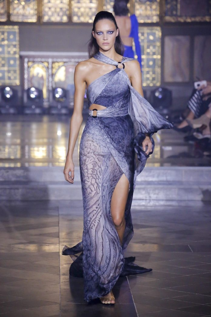 Julien Macdonald Spring 2019 Collection At London Fashion Week 12