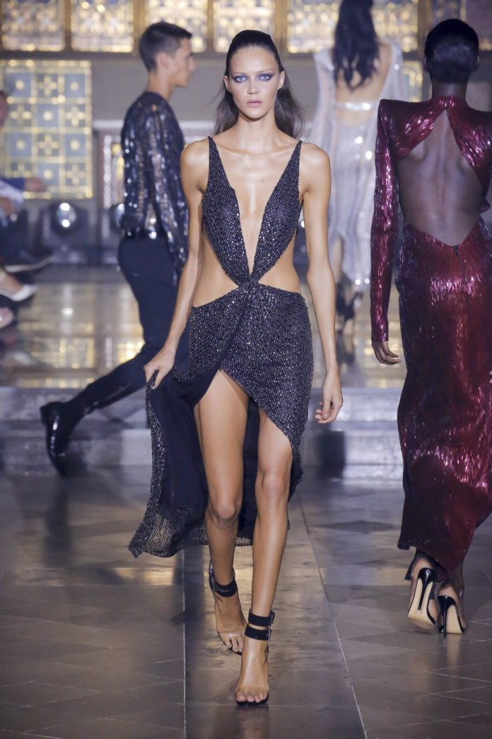 Julien Macdonald Spring 2019 Collection At London Fashion Week 32
