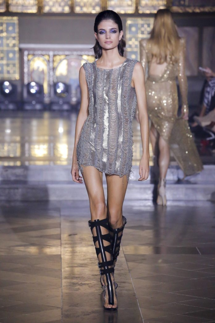 Julien Macdonald Spring 2019 Collection At London Fashion Week 39