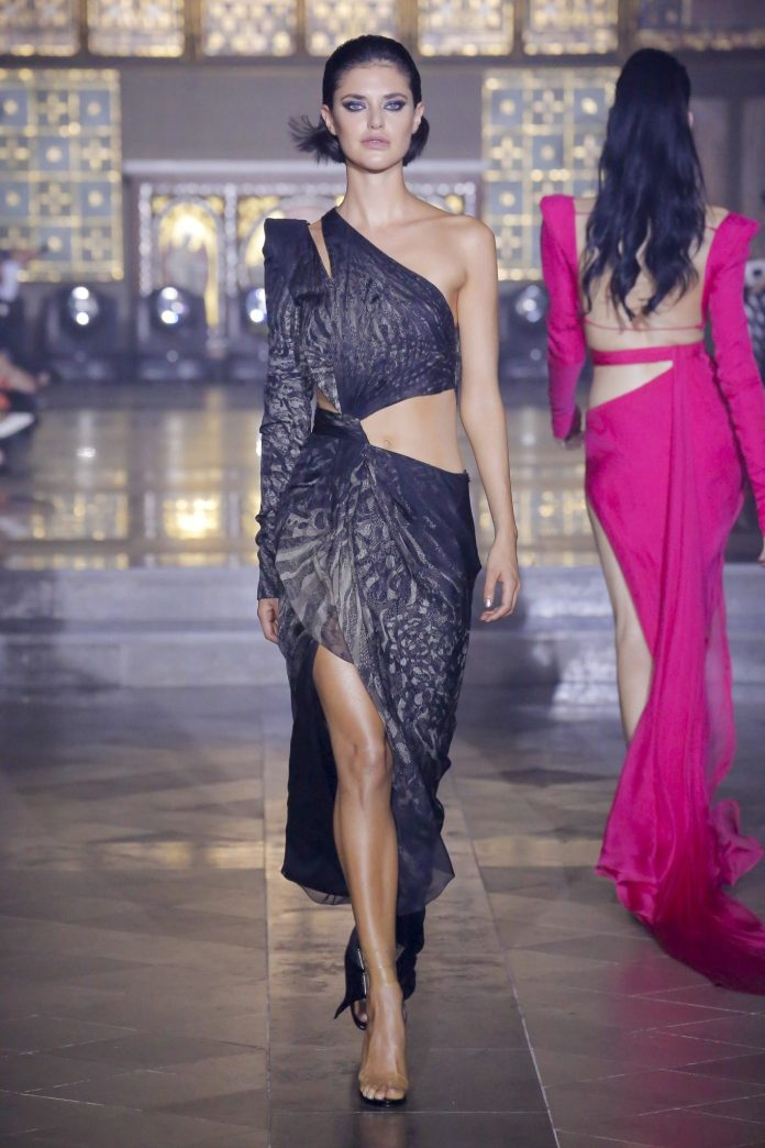 Julien Macdonald Spring 2019 Collection At London Fashion Week 9