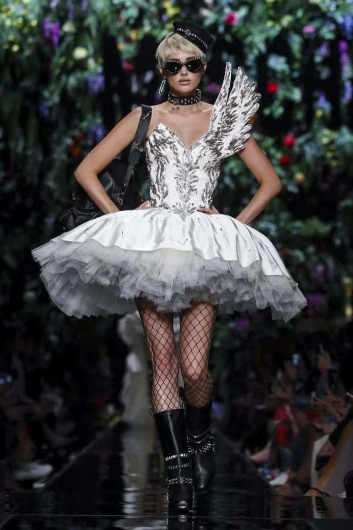 Moschino Ready To Wear Spring/Summer 2018 At The Milan Fashion Week 4