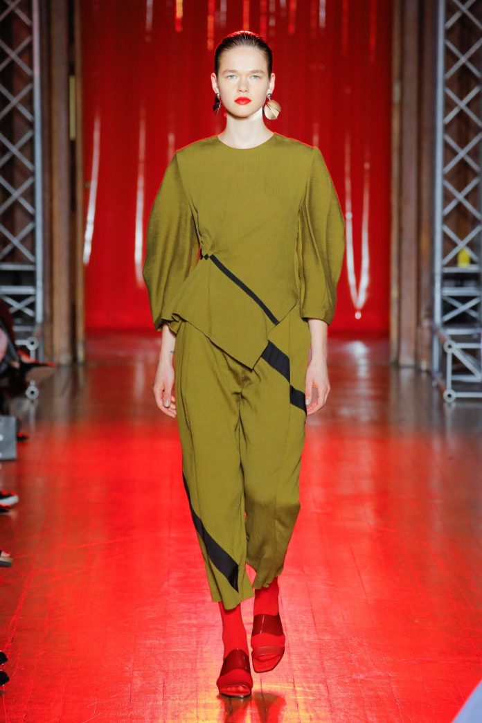 Palmer Harding Spring Summer 2019 Collection At The LFW 28