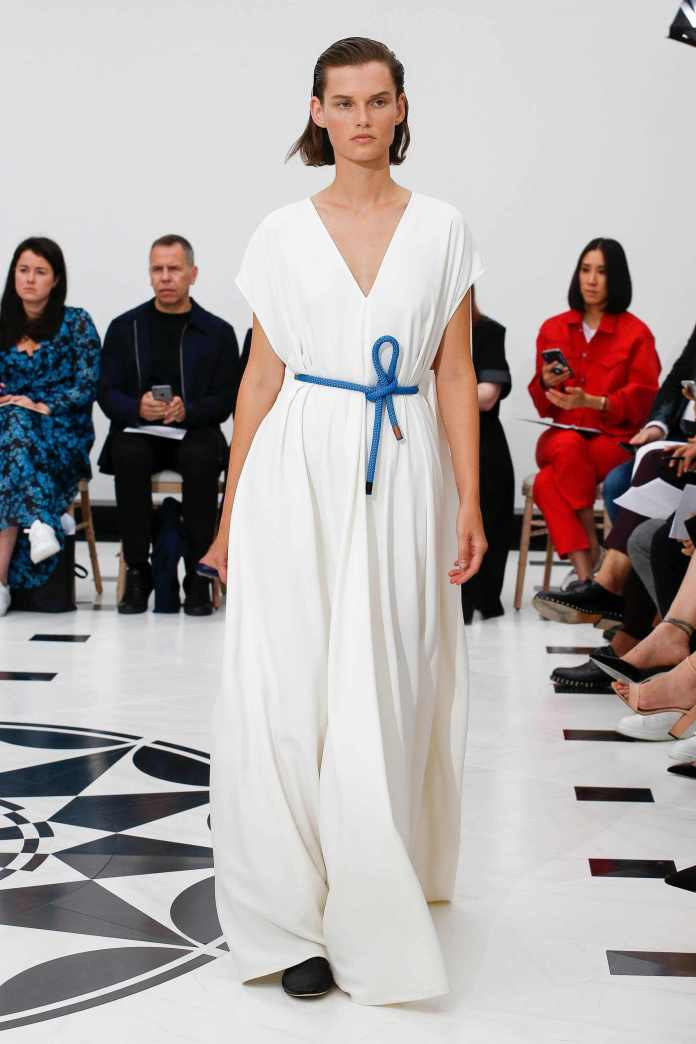 The 21st Century Woman! Victoria Beckham Spring 2019 Collection At London Fashion Week 28