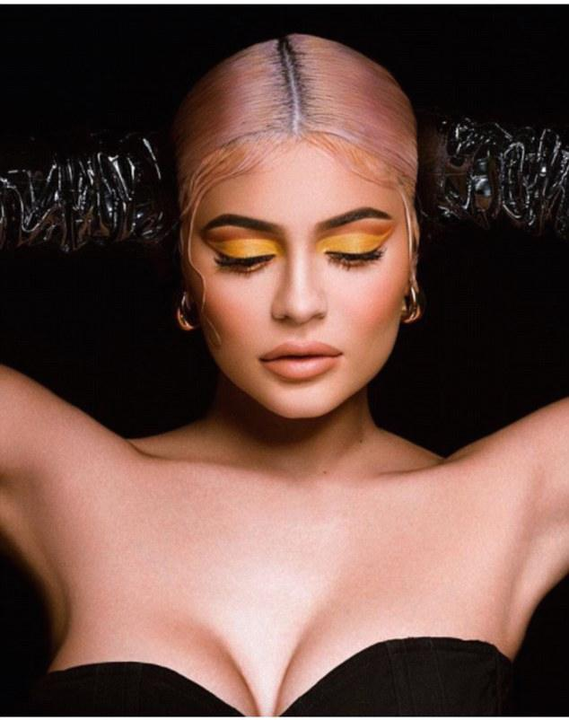 Kylie Jenner Goes Strapless In Leather For Halloween Makeup Collection 1