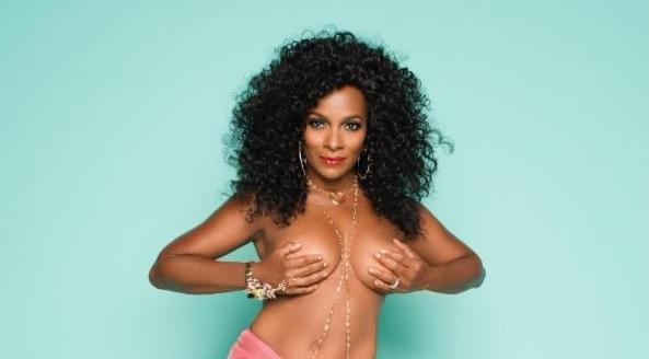 61-Yr-Old Vanessa Bell Calloway Strips To Celebrate 9 Years of Surviving Cancer 1