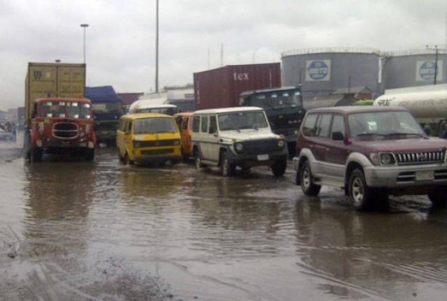 FEC Awards Contract For The Repair Of Lagos-Badagary Express Way 3