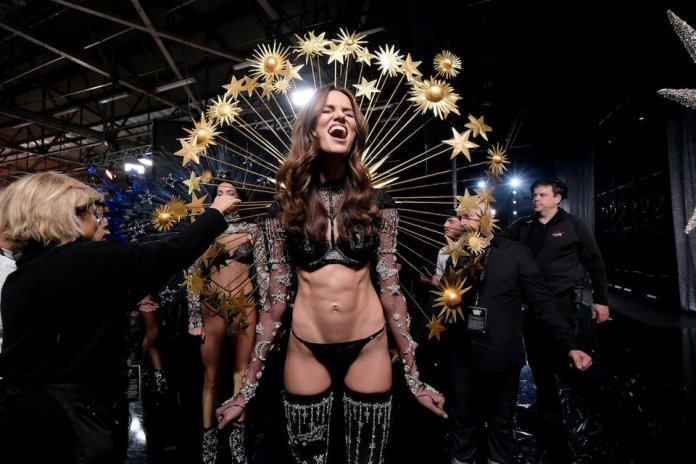 The Insider: Stunning Backstage Scenes From The Victoria's Secret Fashion Show 4