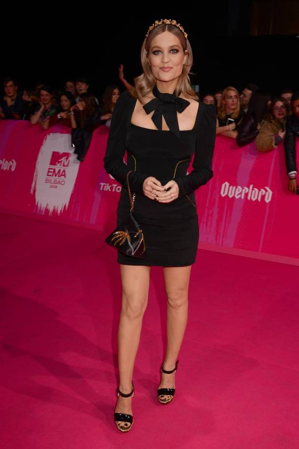 2018 MTV EMAs: The Best Dressed Celebrities On The Red Carpet 11