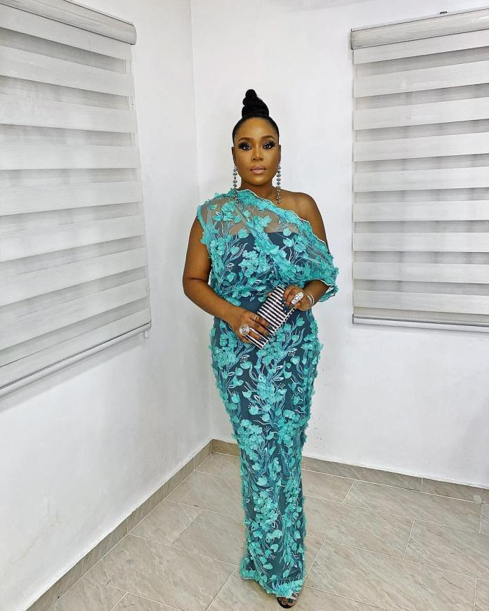 Aso-ebi Style: Sizzling Hot Styles From #ISquared18 2