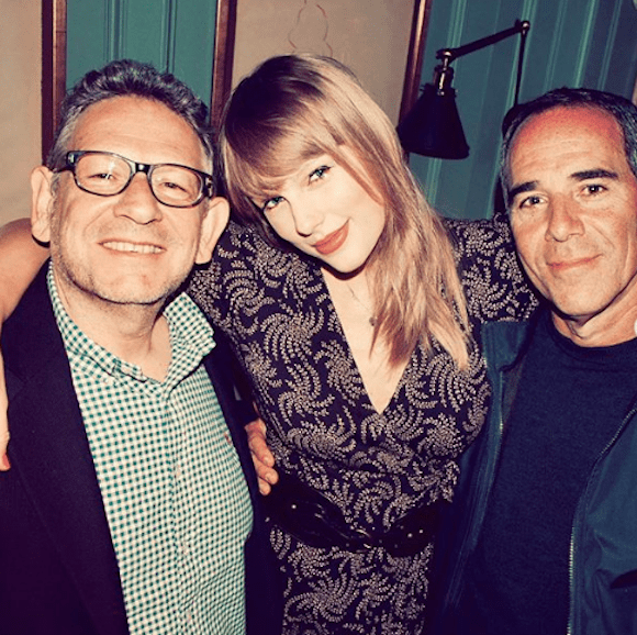 Taylor Swift Signs New Deal With Universal Music Group…And Artists