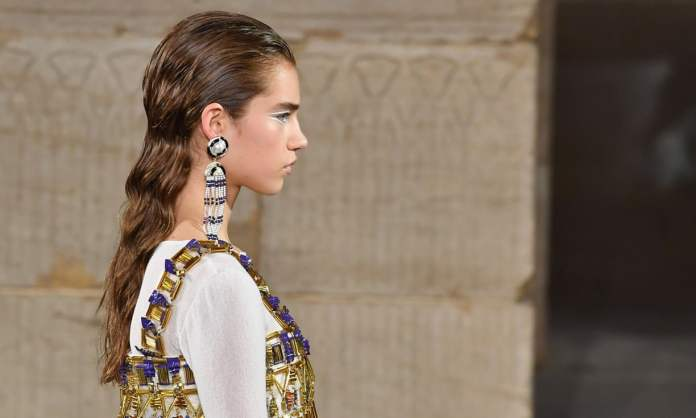 Chanel Turns The Temple Of Dendur Into Catwalk For Its Metiers d'Art Show 1