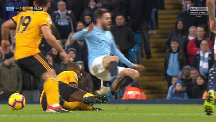 Manchester City 3 Wolves 0:Jesus' Double Reduces Liverpool's Lead At The Top To Four Points 3
