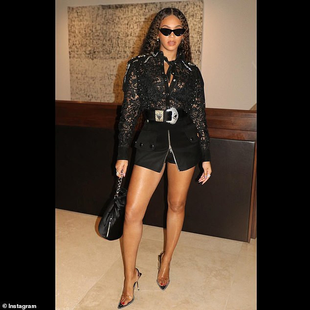 Drip Drip Slay! Queen Bey Flaunts Pert Backside In A Lacy Black Top And Skimpy Mini Skirt 1