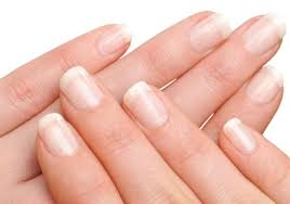 Beauty: 5 Easy Homemade Tips To Straighten Your Nails